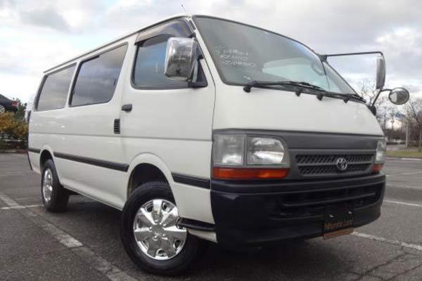 Minibus group transfers in Uganda, entebbe kampala
